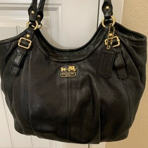 Vintage COACH BLACK LEATHER HOBO SHOULDER BAG!